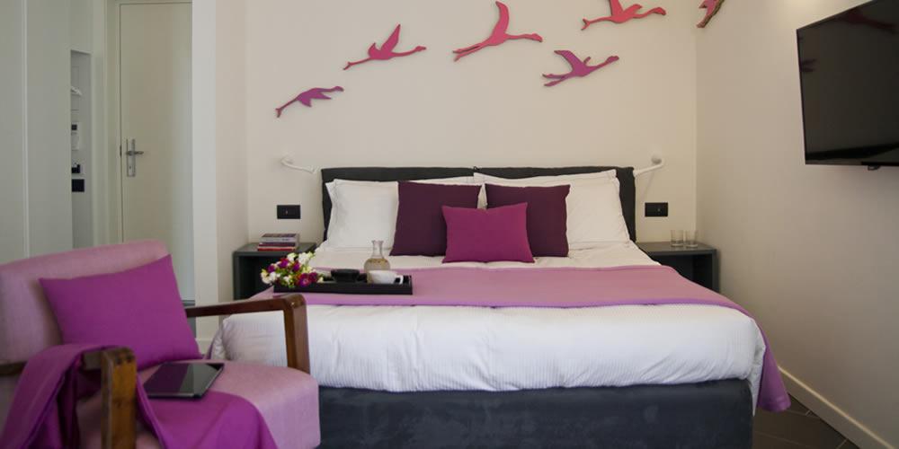 Camera superior in hotel di design a Cagliari